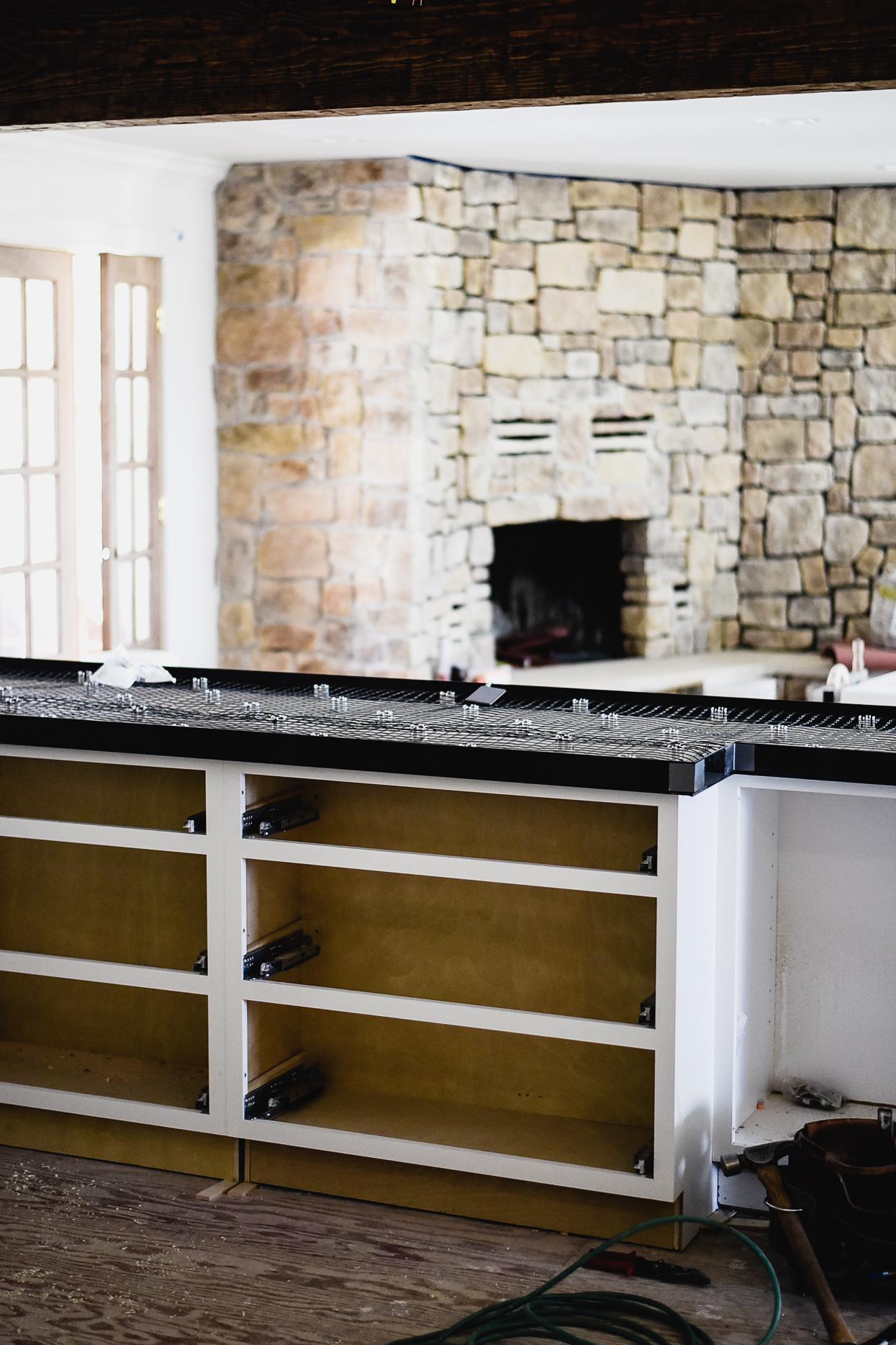 DIY White Concrete Countertops | boxwoodavenue.com