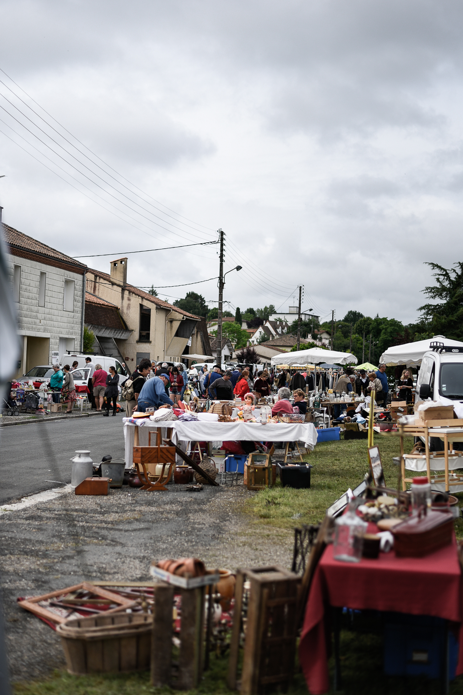 A day spent shopping at a traditional French flea market in Eymet, France!