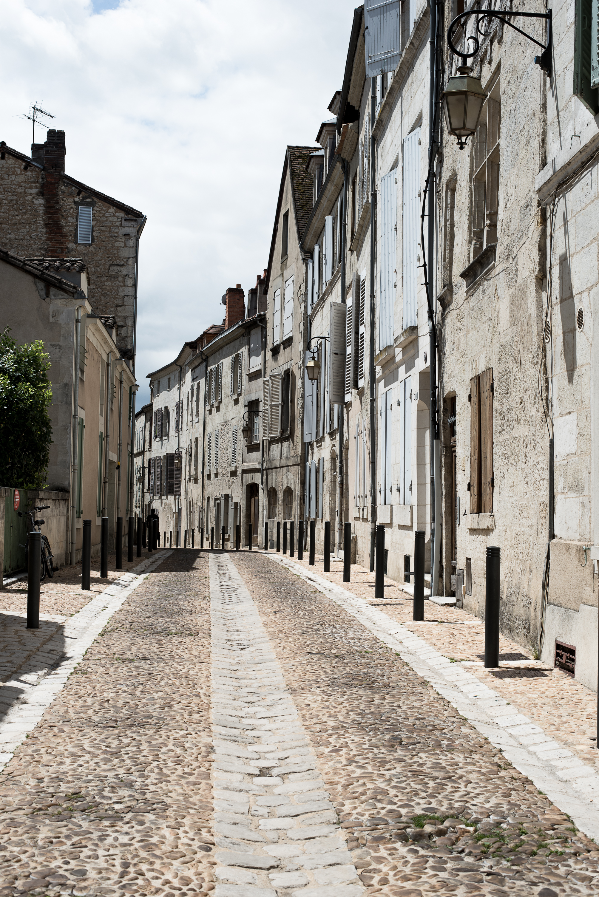 After the styling portion of our workshop we spent our final days visiting the surrounding towns of the Chateau. We shopped the open-air market in Perigeux and walked the hills of Saint-Émilion - both of which are UNESCO world heritage sites.