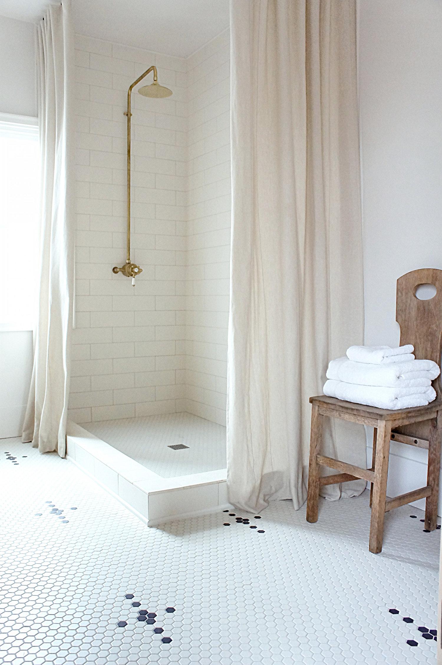 Simple Bathroom Color Palette | Kaemingk Design