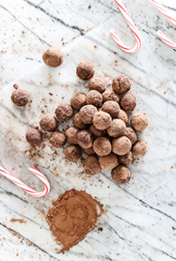 10 Delicious Christmas Treats that aren't Cookies! // Peppermint Truffles