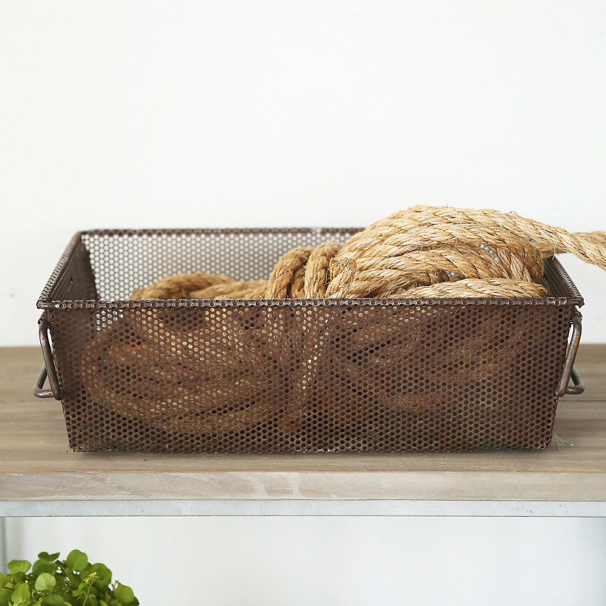 organization tips and containers // boxwoodavenue.com