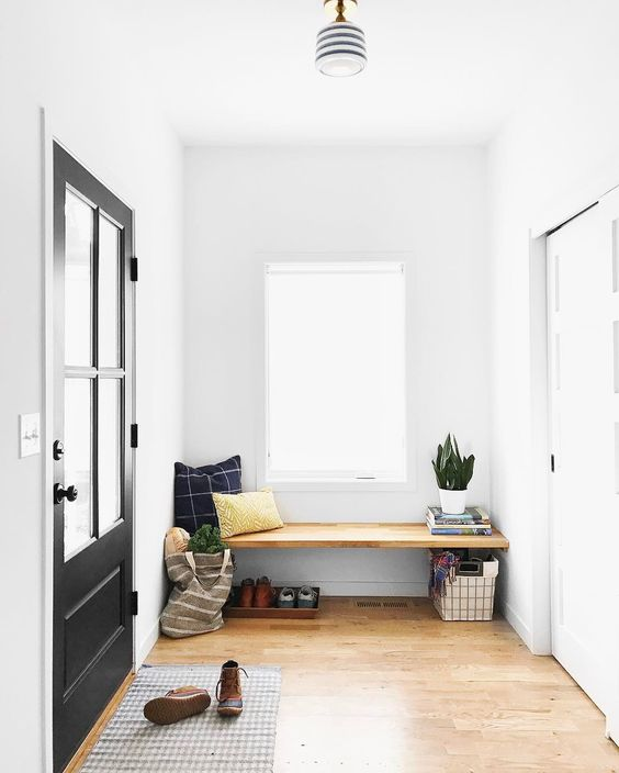 Built in Entry Bench from The Faux Martha