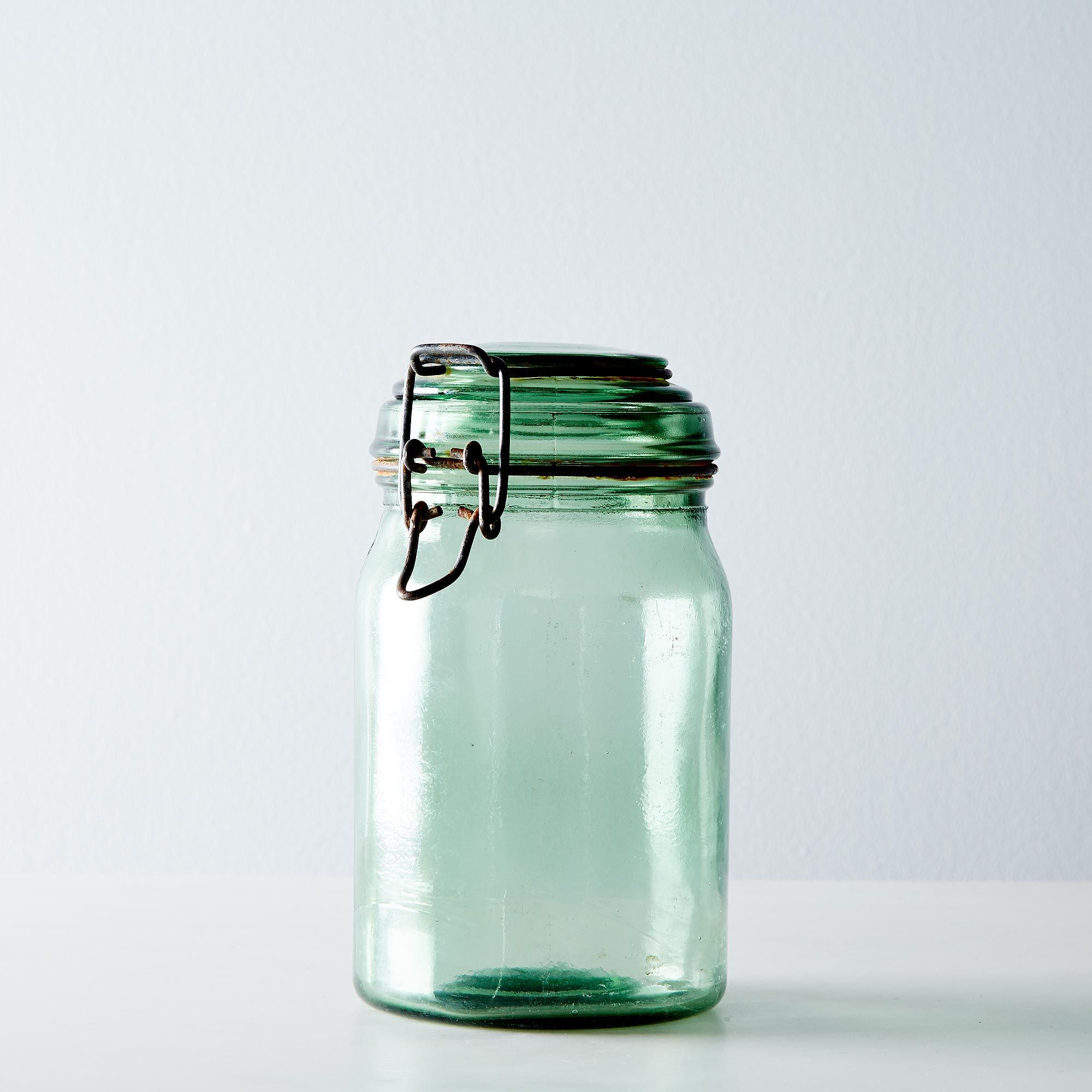 8cd4654f-8bc5-4aa1-9daa-c6052b4f9a6d--2014-1002_elsie-green-designs_vintage-french-canning-jars-014.jpg