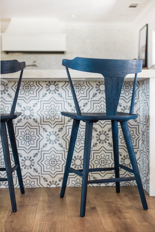 Modern Farmhouse Kitchen Counter Stools with patterned tile - boxwoodavenue.com