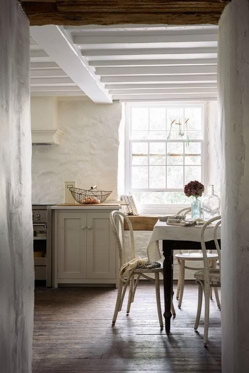 Devol Kitchens always amazing simple country design!