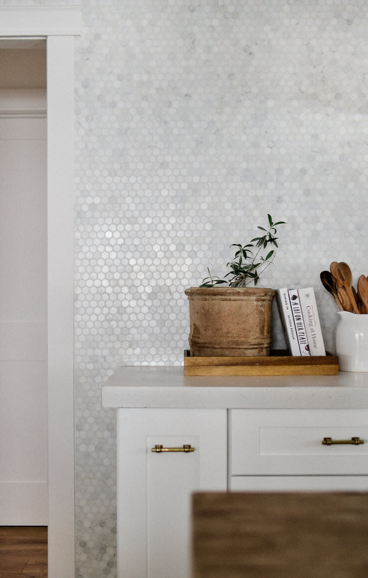 All about white concrete countertops  | boxwoodavenue.com