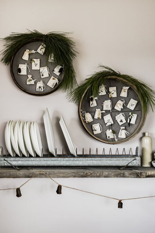 Christmas advent calendar / simple farmhouse christmas