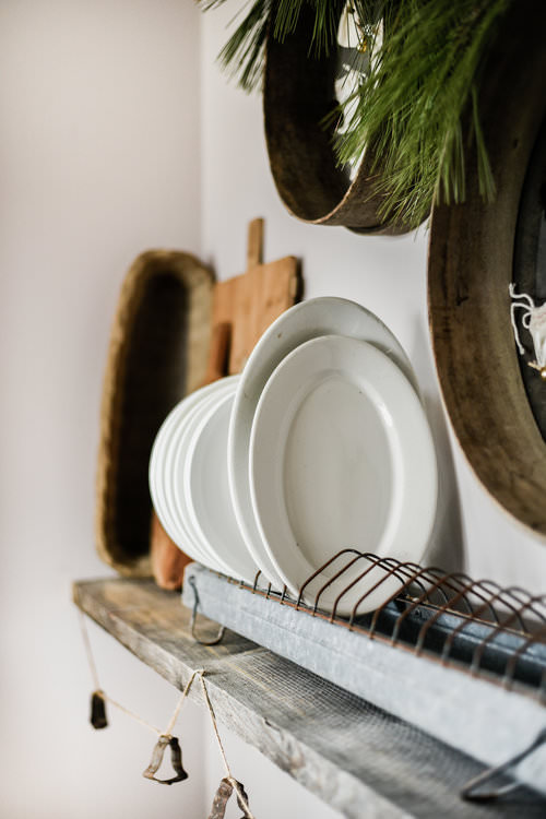 Minimal & Rustic Christmas Decorating ideas | boxwoodavenue.com