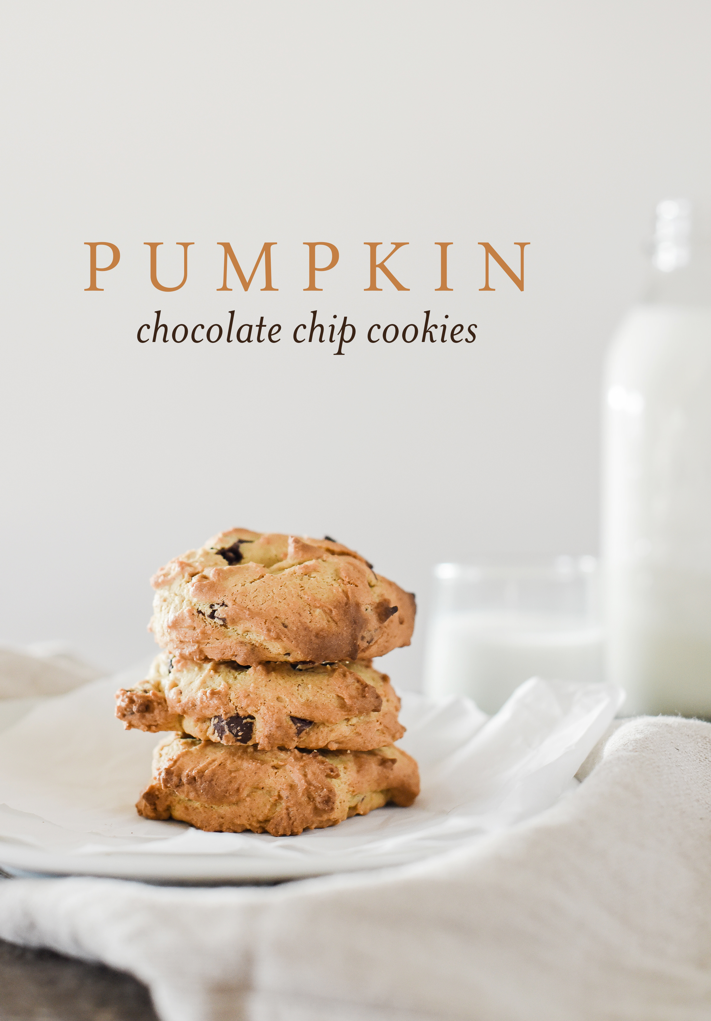 These are the best pumpkin chocolate chip cookies you'll ever have! #pumpkinrecipes #pumpkinspice
