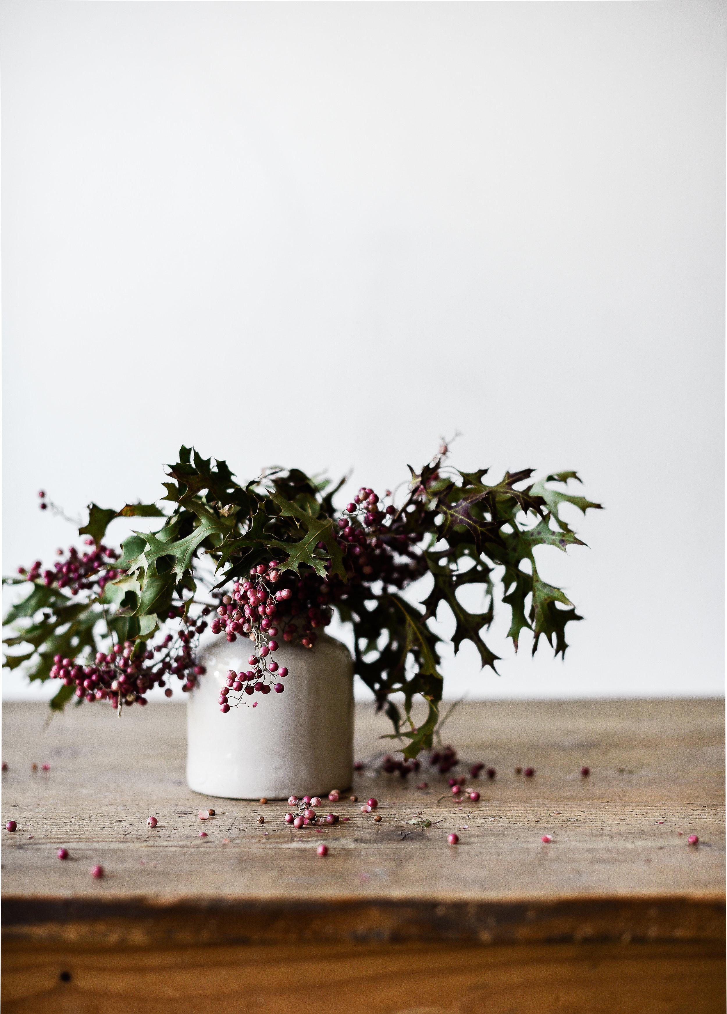 Vintage mustard pots make cute farmhouse vases from boxwoodavenue.com