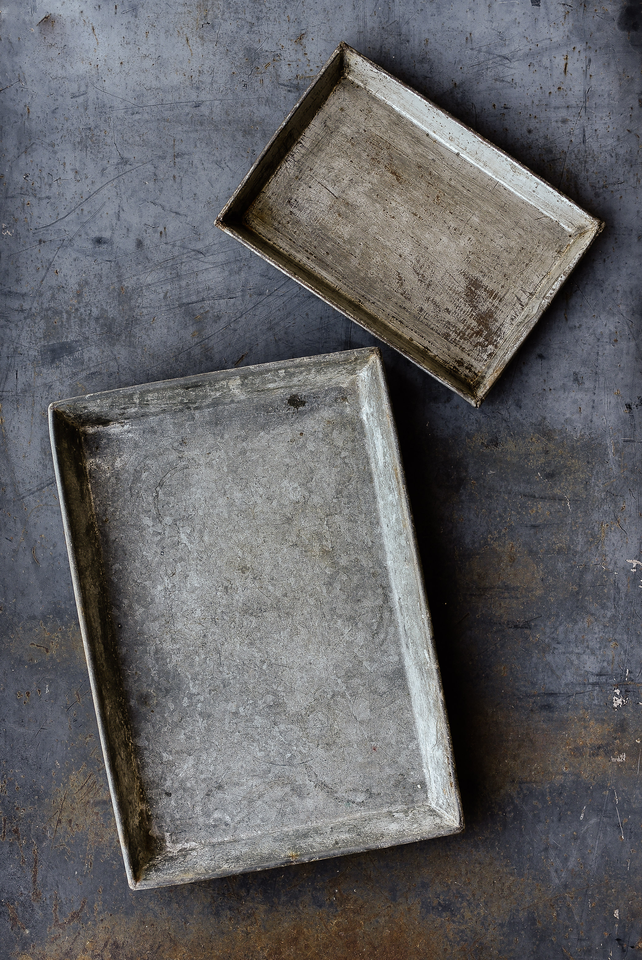 Vintage zinc trays farmhouse decor boxwoodavenue.com