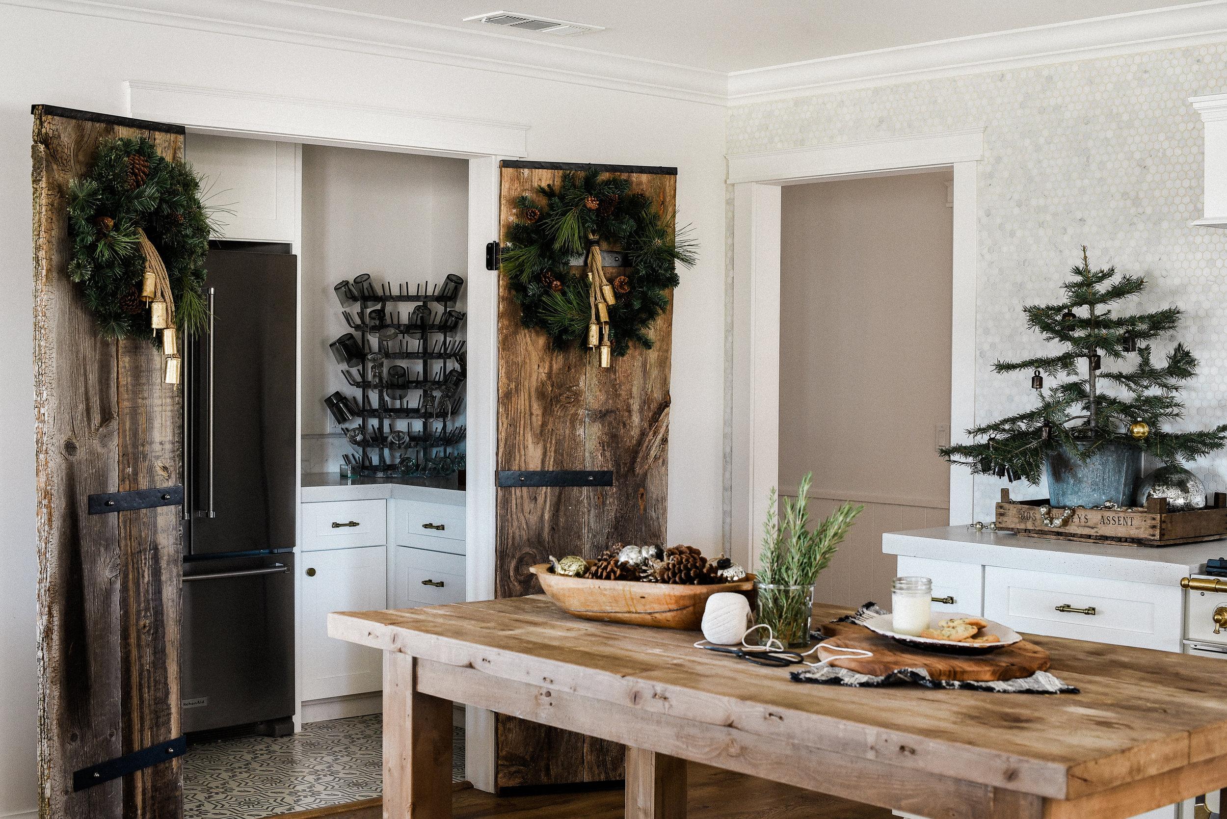 Christmas Kitchen decor from boxwoodavenue.com