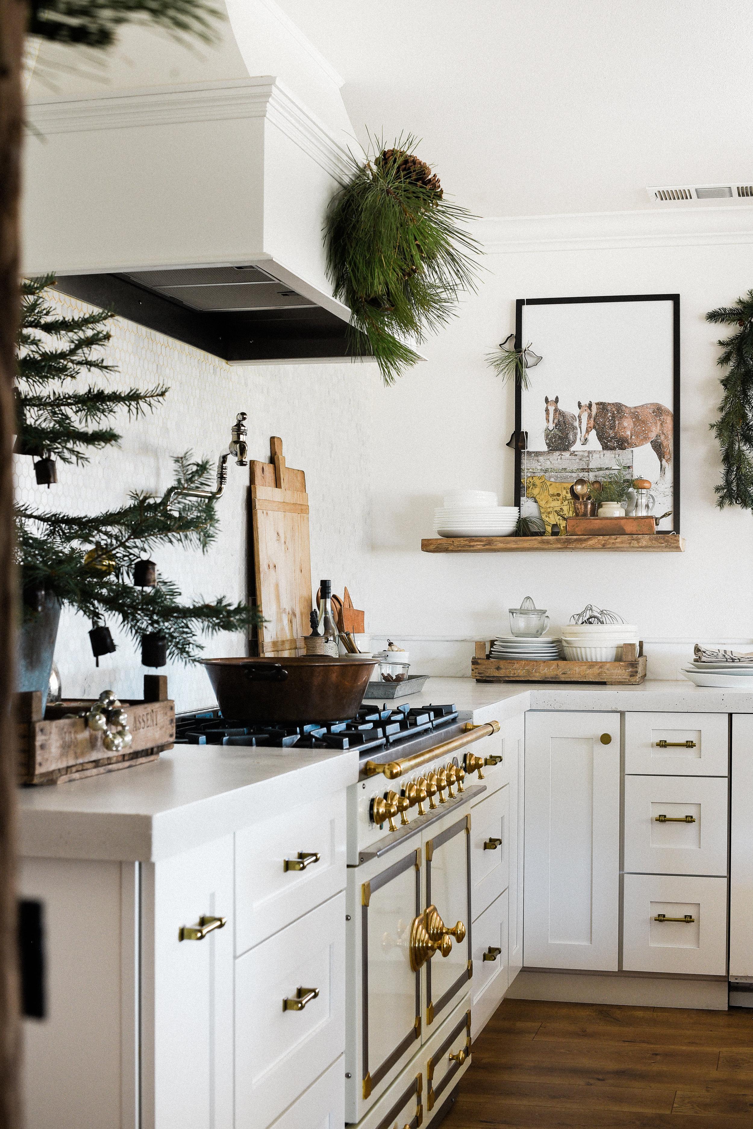 Farmhouse Christmas decorating -