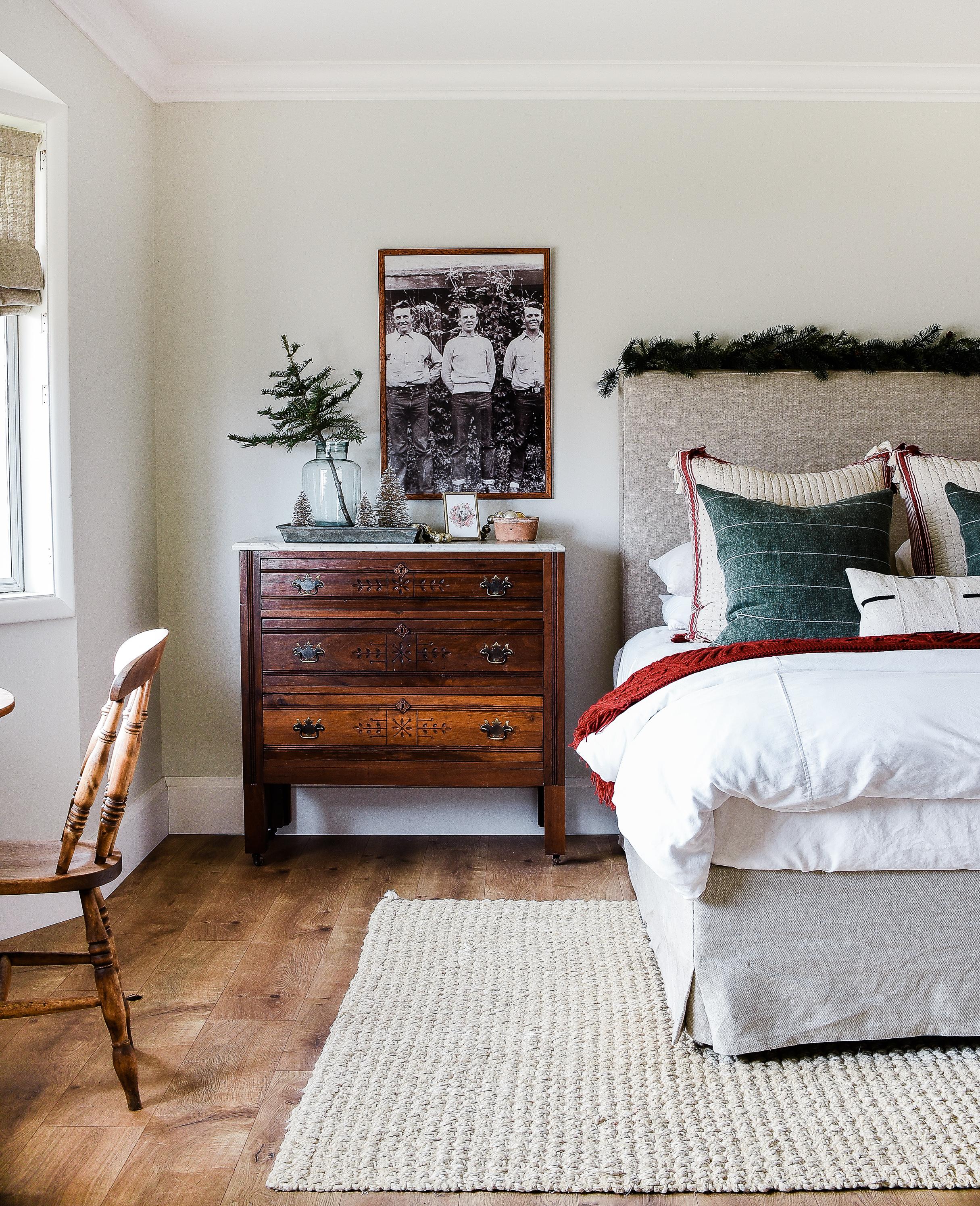 Guest bedroom cozy for Christmas with farmhouse decor | boxwoodavenue.com