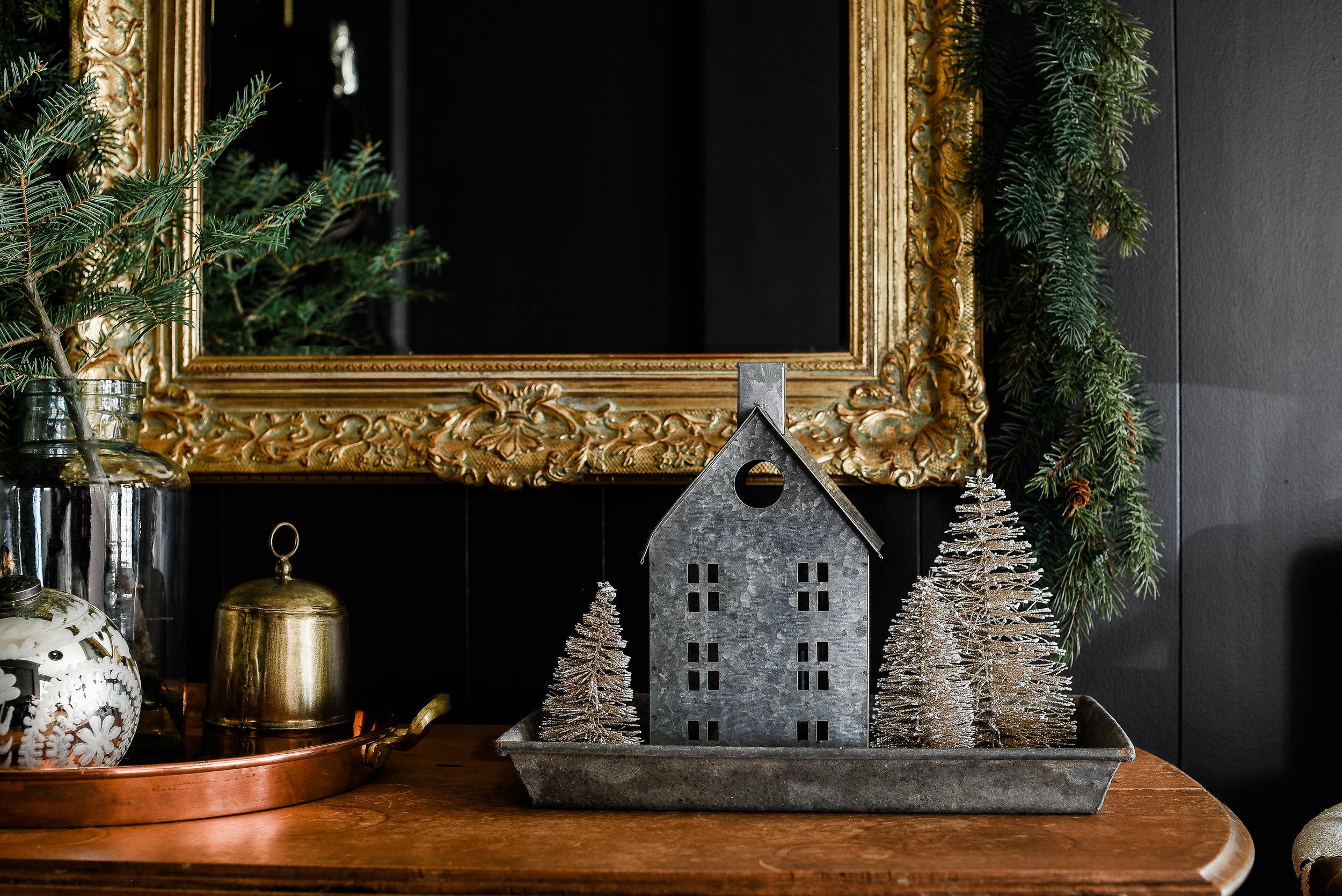 Christmas farmhouse decorating ideas | boxwoodavenue.com #farmhousechristmas #christmasdecoratingideas