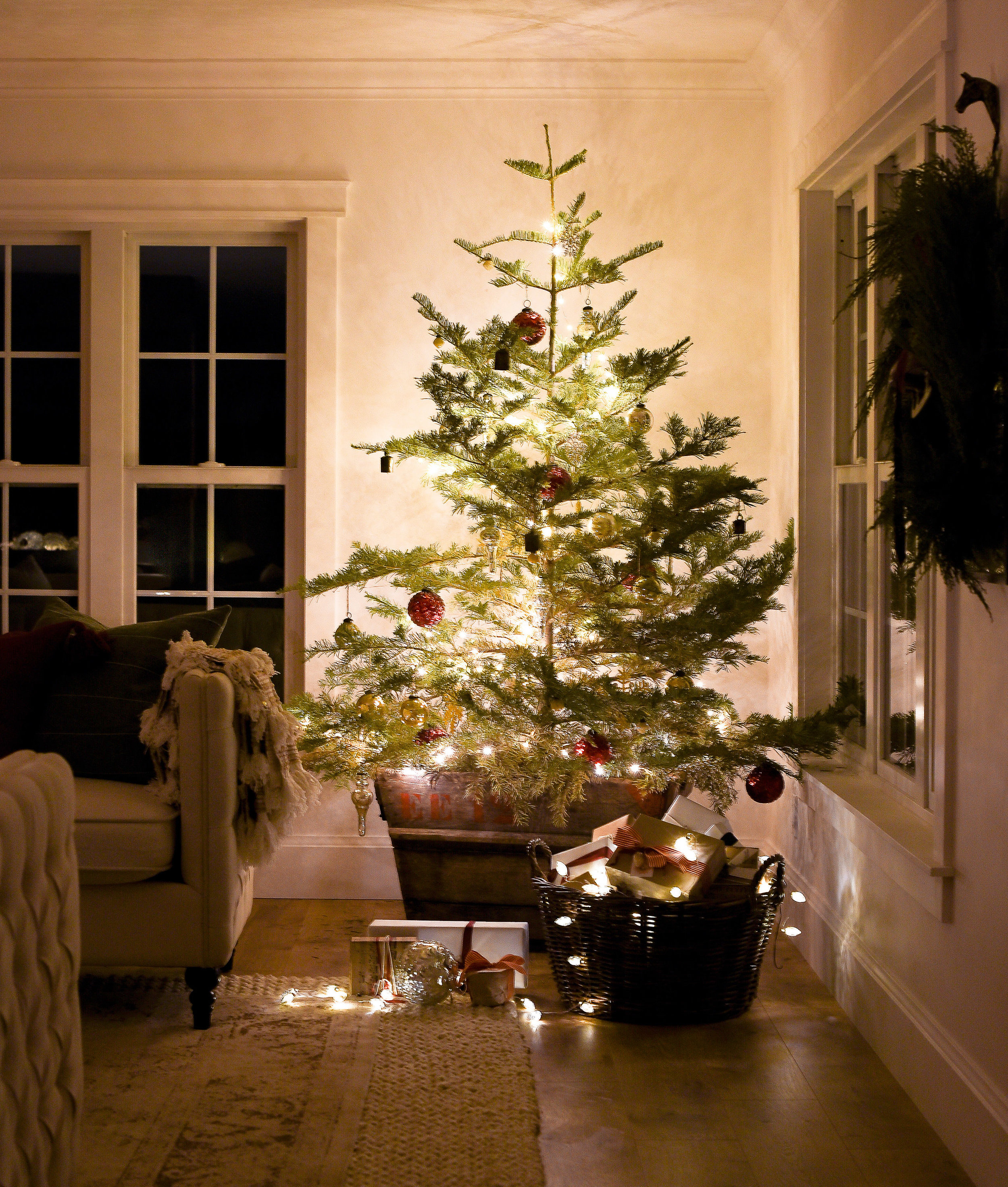 You will love seeing these homes all lit up at Christmas time with twinkly lights! boxwoodavenue.com