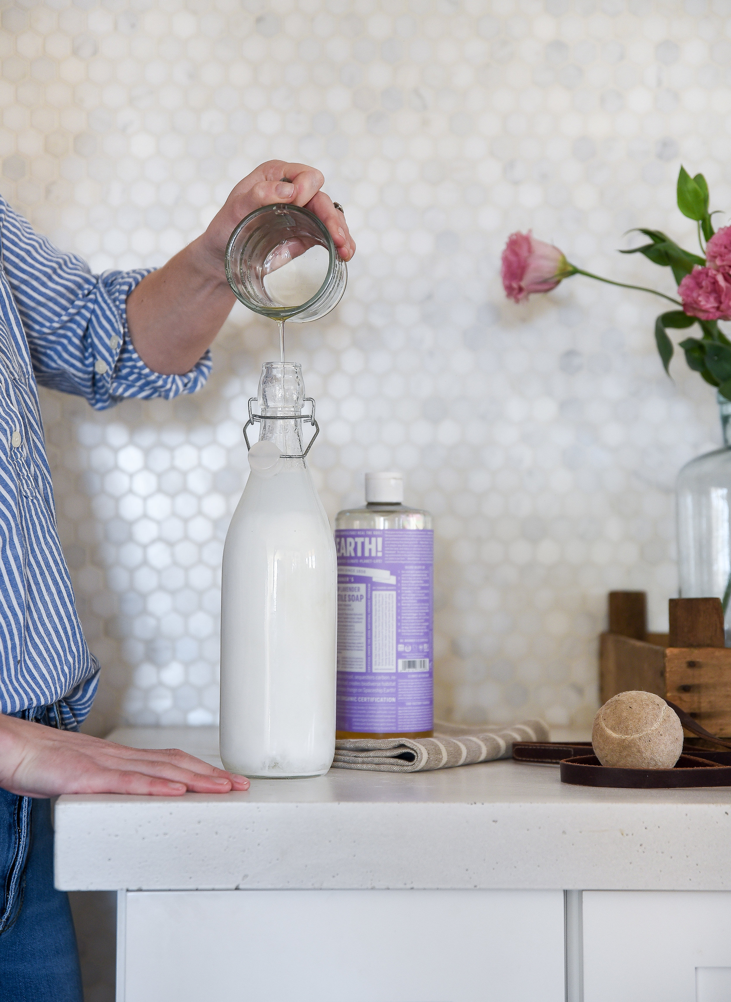 Top uses for Castile Soap - homemade dog shampoo! This easy homemade doggy shampoo is calming and effective! Organic, plant-based, and non-toxic! #petshampoo #dogshampoo #castilesoap boxwoodavenue.com