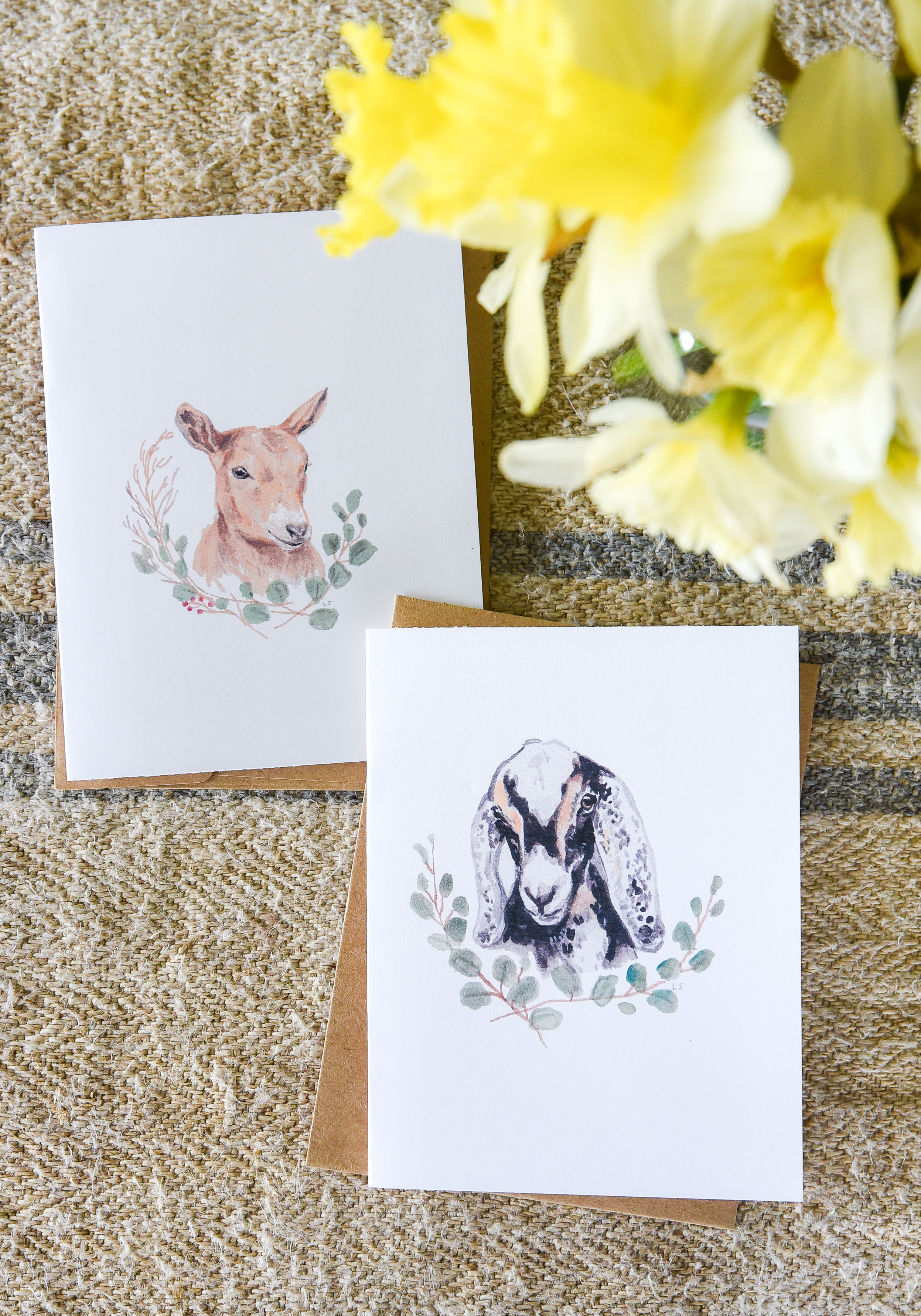 These free printable cards are perfect for Easter or spring! Print these free goat greeting cards for free! #printablecards #eastercards #springprintable