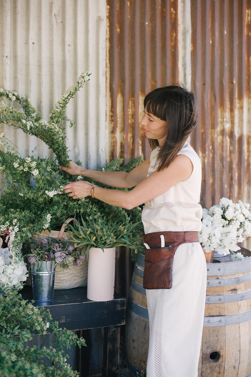 Sarah Winward floral arranging class in Santa Barbara at Folded Hills Ranch for Jenni Kayne Pacific Natural retreat.