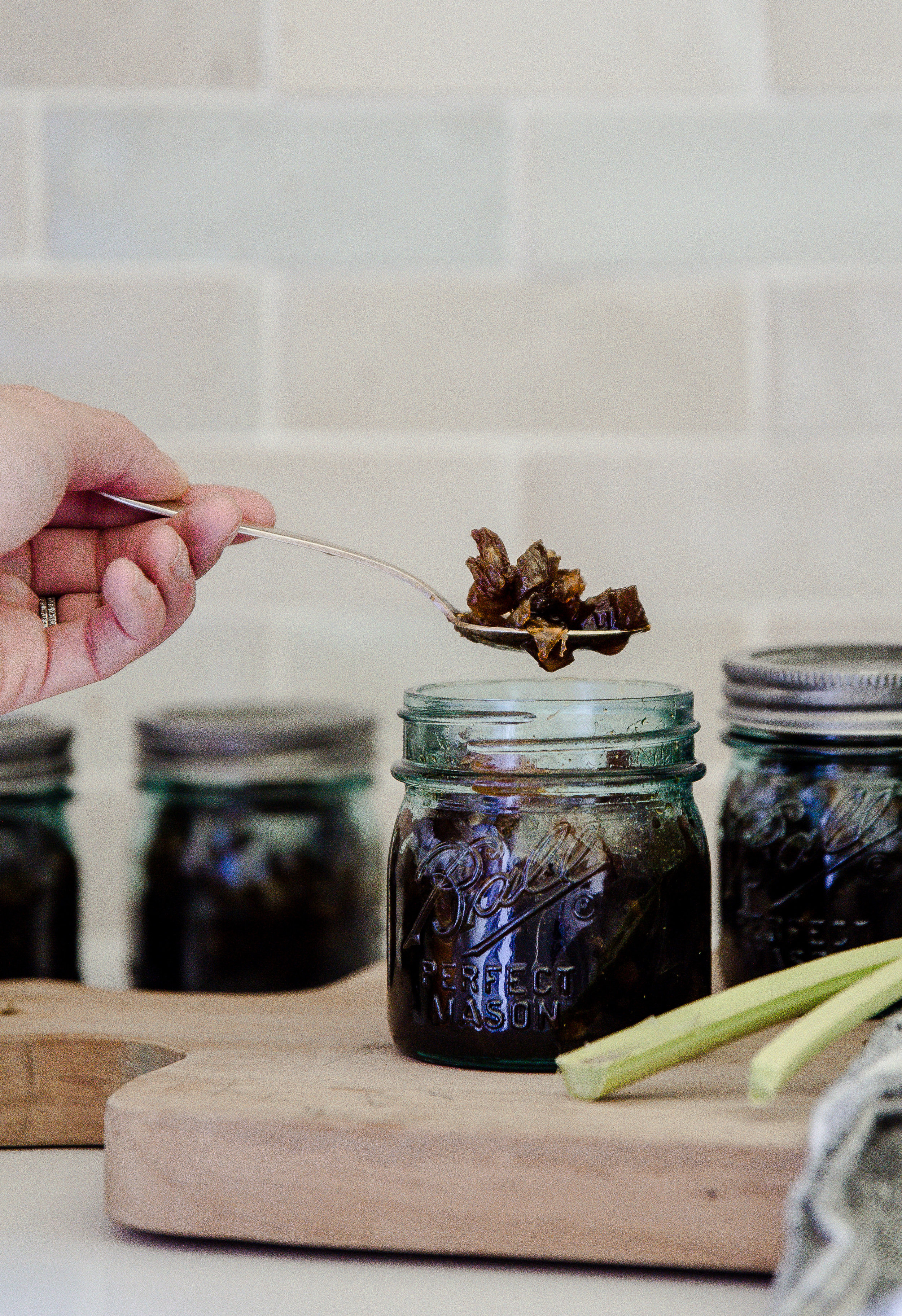 Delicious rhubarb recipe! This orange rhubarb recipe is easy and yummy! #preserves #canning #rhubarb