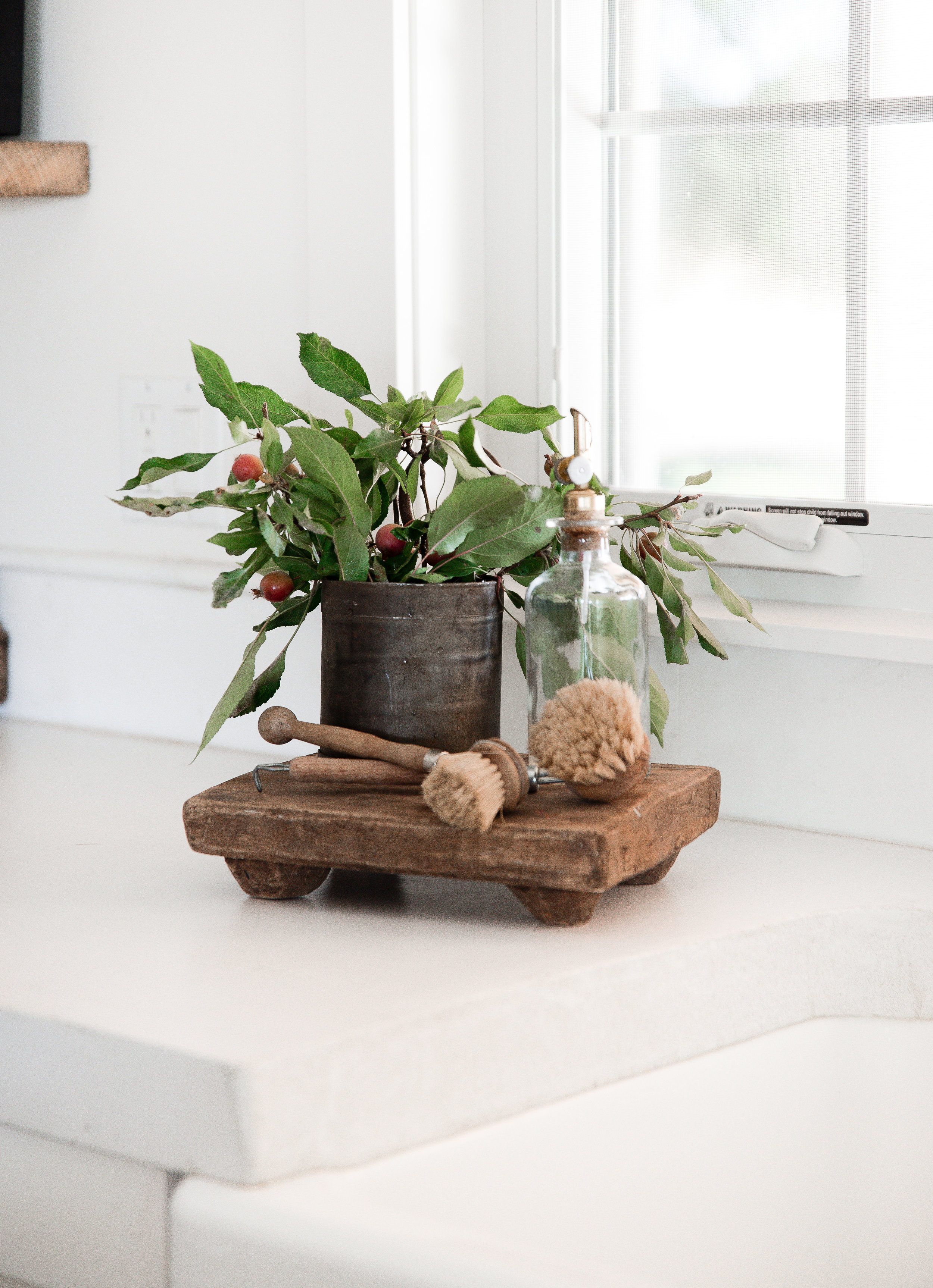 Decorating the side of a farm sink for fall - wood pedestal for farmhouse kitchen