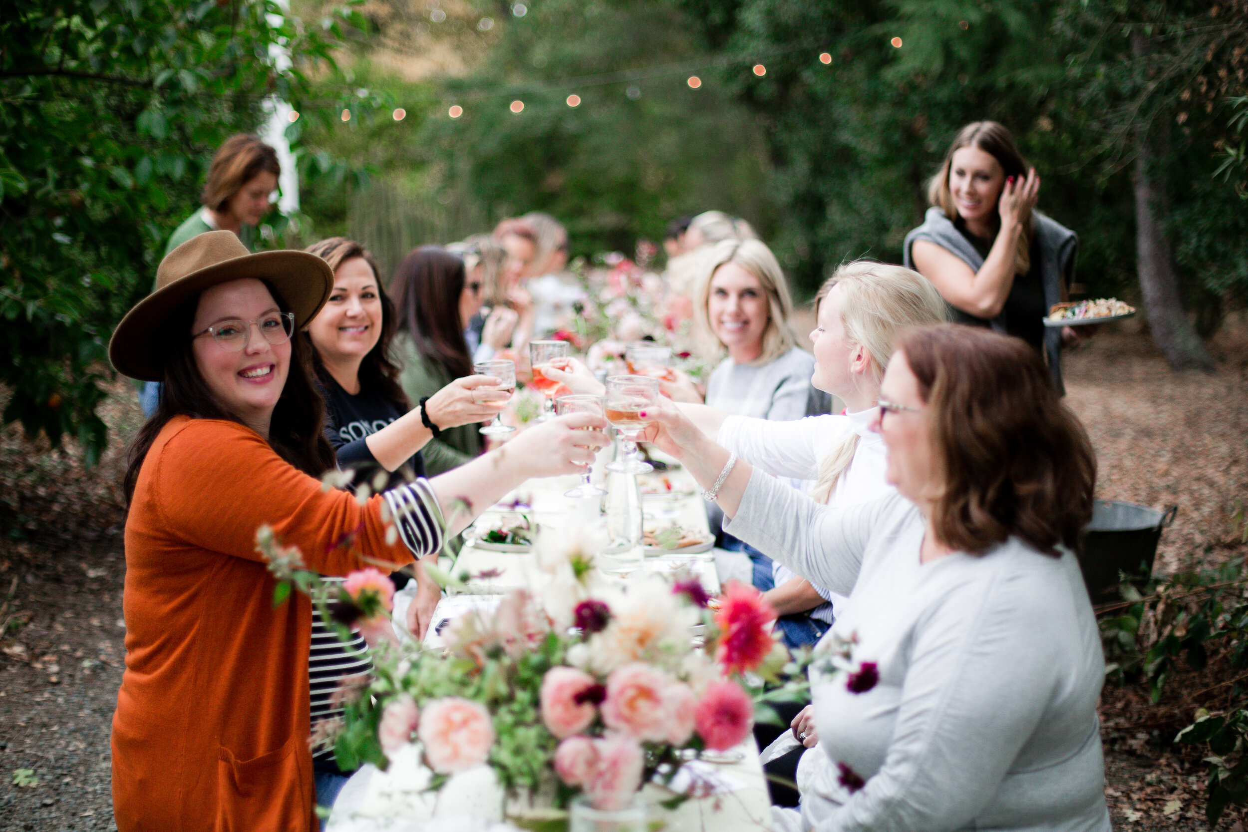 Looking for beautiful fall tablescape ideas? You've come to the right place. Take a peek into our afternoon Harvest Party with McEvoy Ranch.