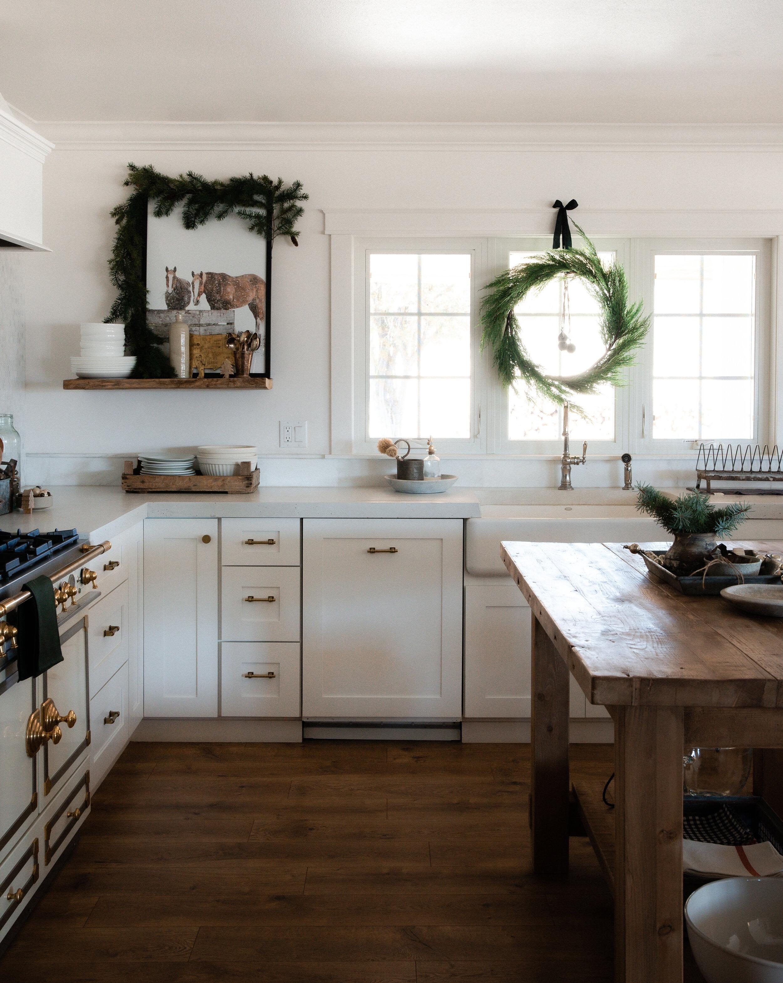 Tips for a Minimalist Farmhouse Christmas - Boxwood Ave