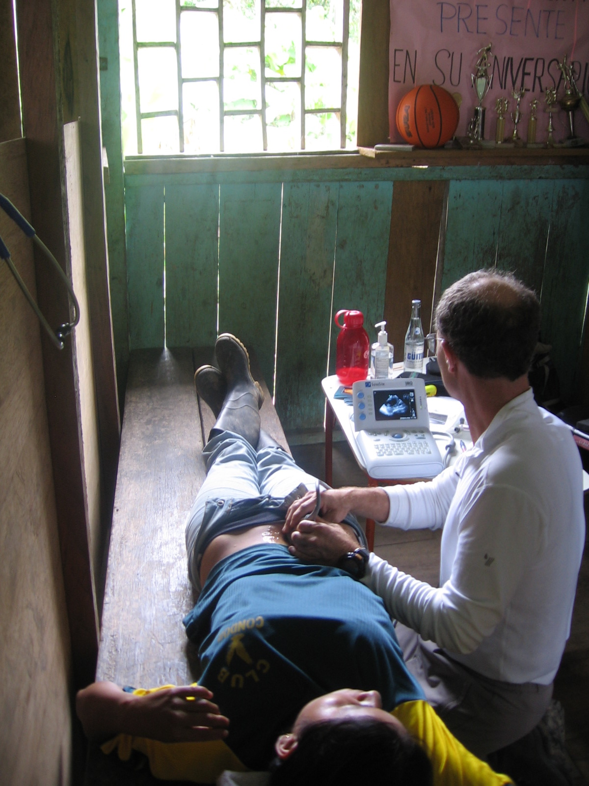 Dr Hansen came to Gualaquiza to help provide much need medical attention