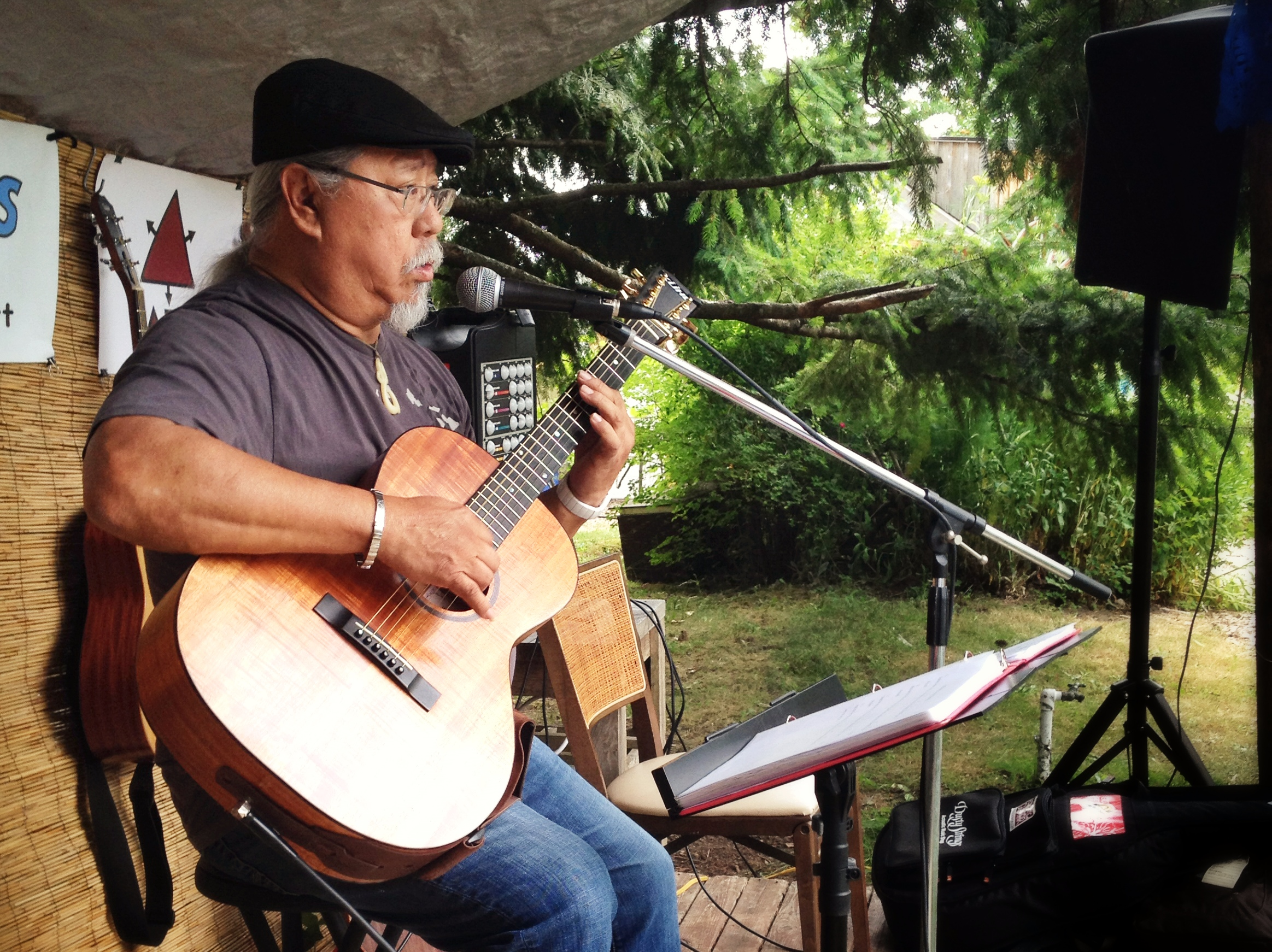 Al Tringali the best Slack key Guitarist in the NW!