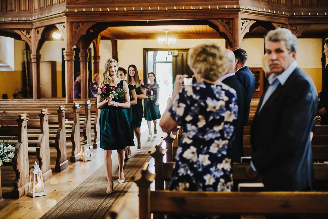latviskas-kazas-latvian-wedding-ogres-baznica_0023.jpg