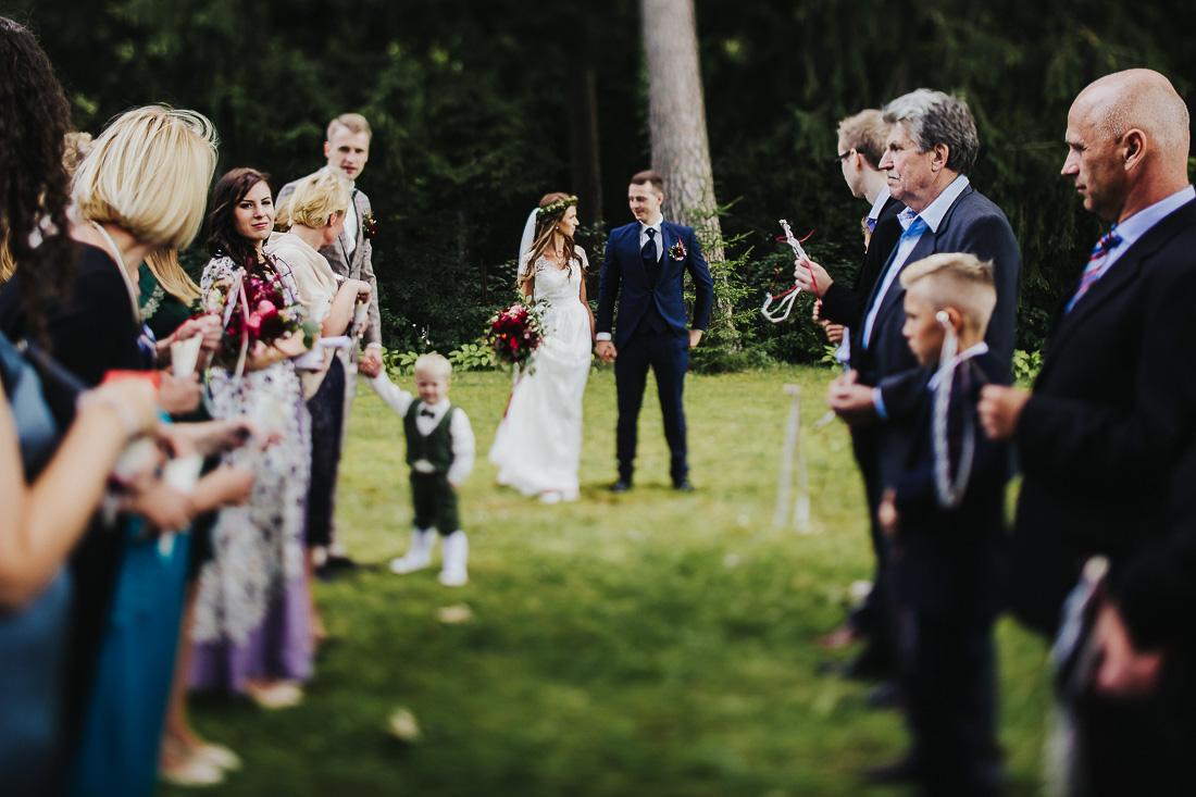 latviskas-kazas-latvian-wedding-ogres-baznica_0034.jpg