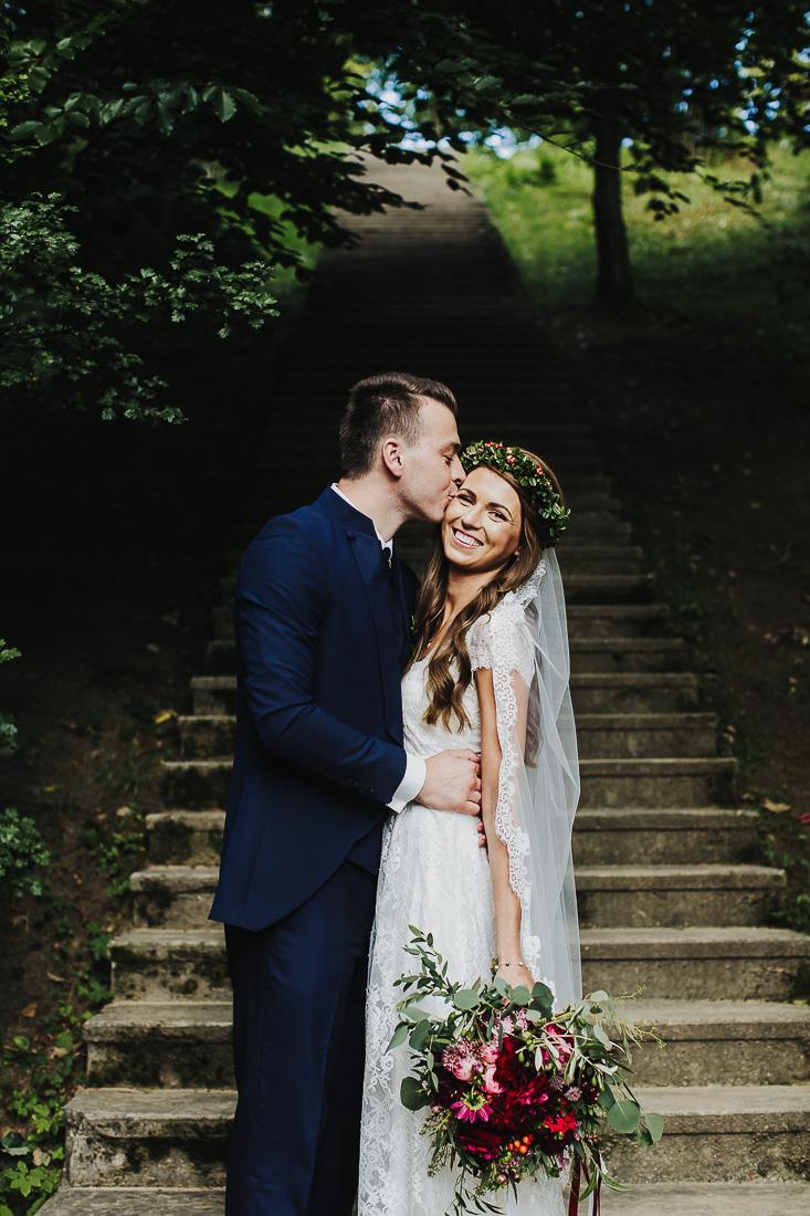 latviskas-kazas-latvian-wedding-ogres-baznica_0037.jpg