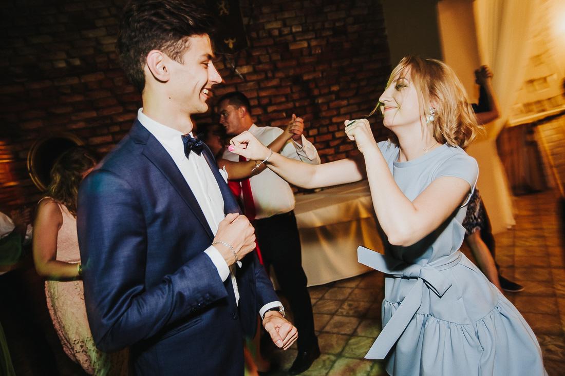 latviskas-kazas-latvian-wedding-ogres-baznica_0071.jpg