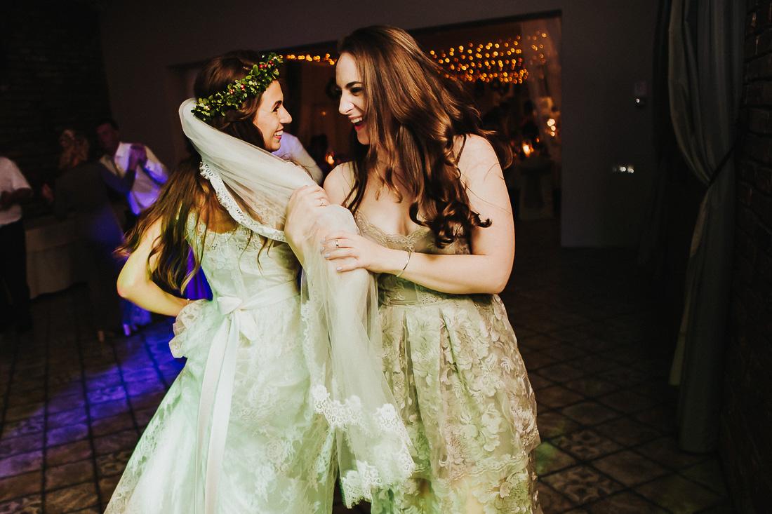 latviskas-kazas-latvian-wedding-ogres-baznica_0072.jpg