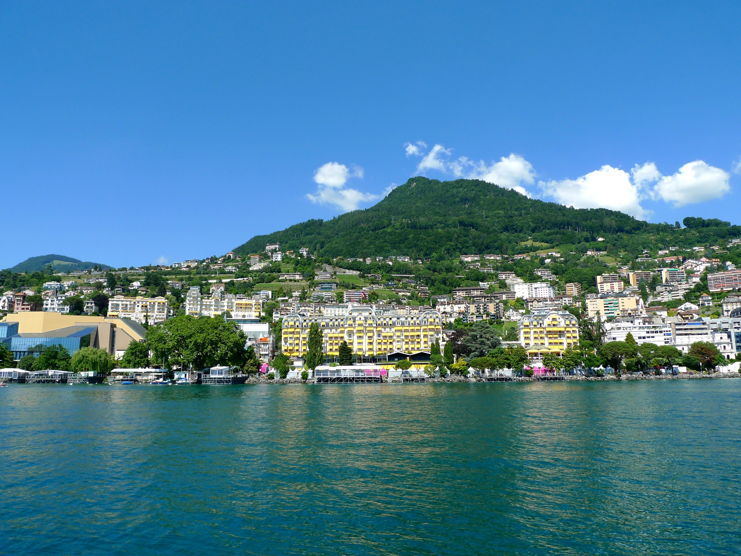 Montreux Hotel