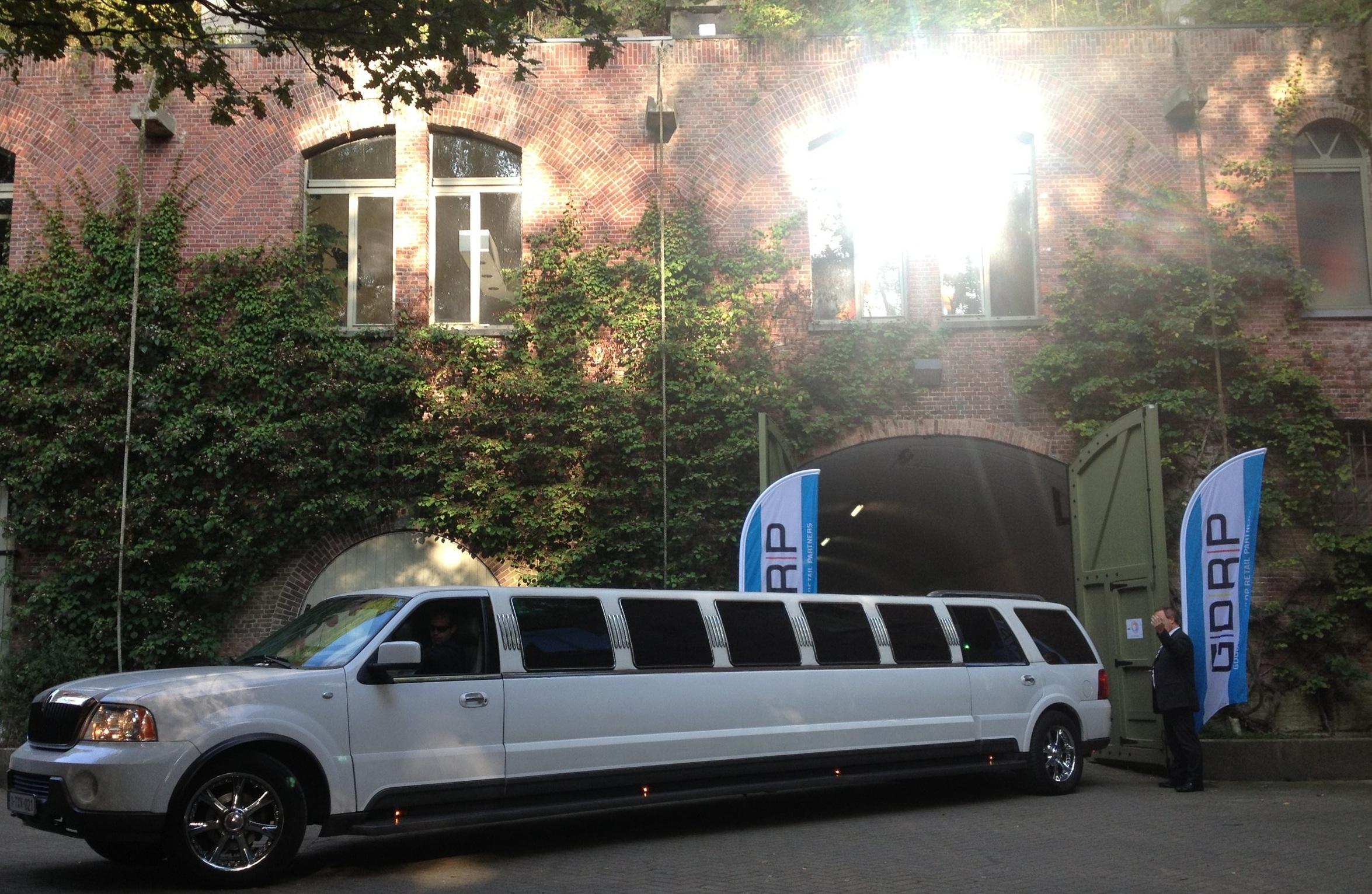 Blwrk+Limousine+voor+ingang+1.jpg