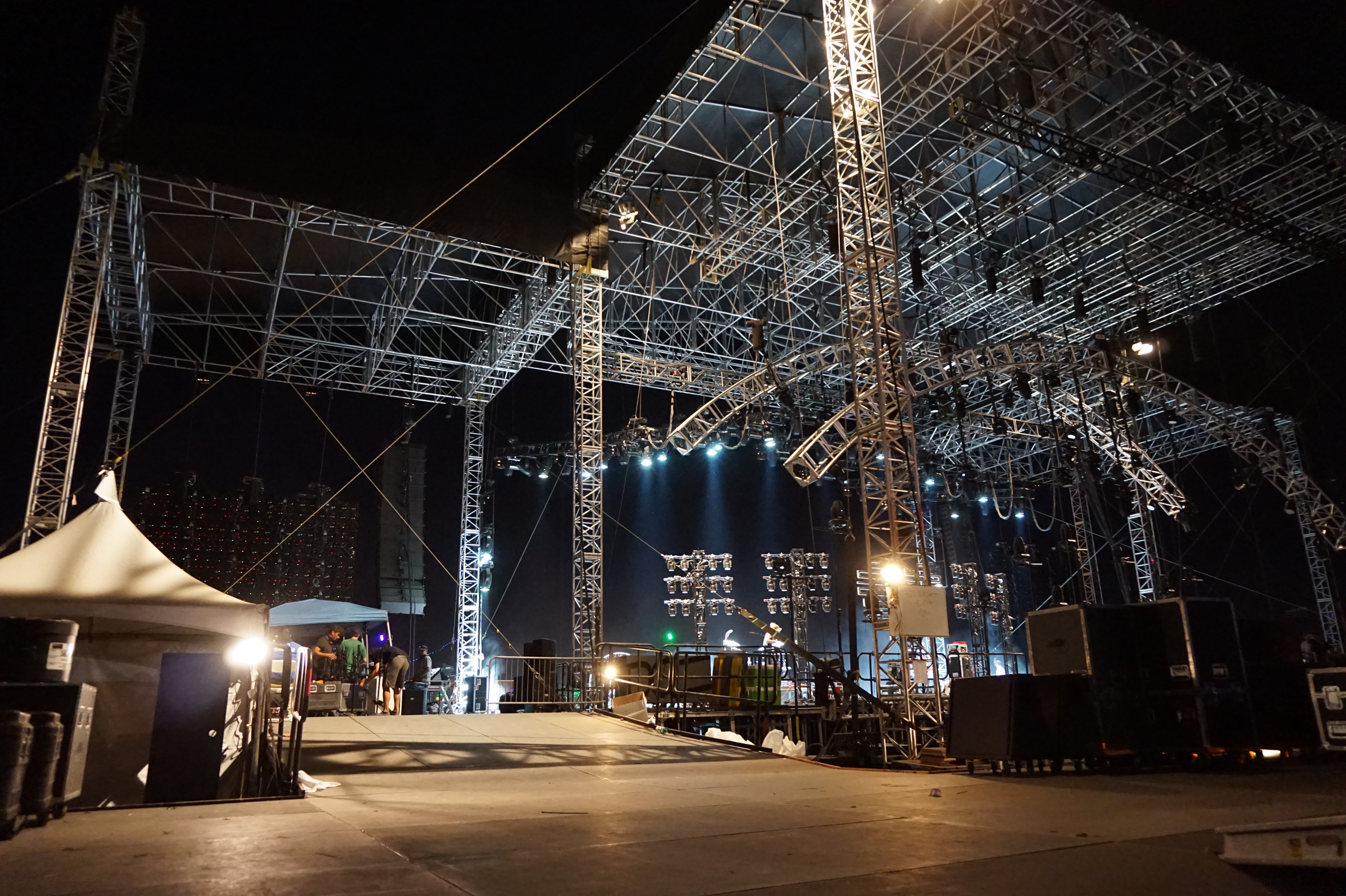 Live Tour Stage Rigging Safety Tips.png