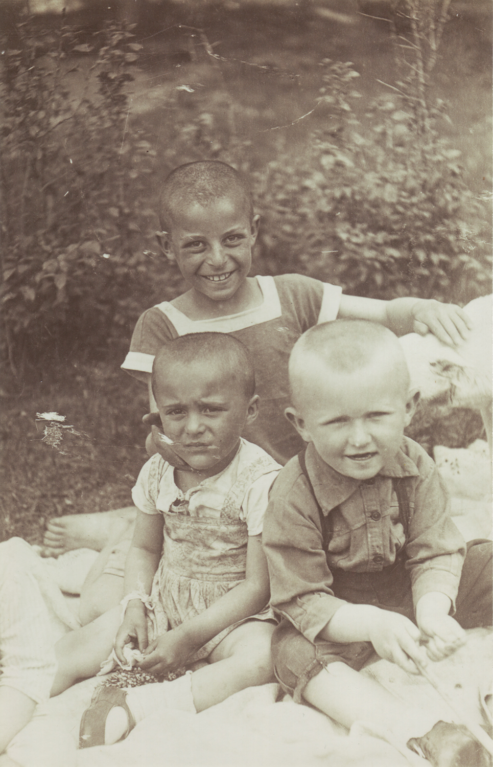 Leonid Rozenberg (on left) with his cousins Irina and Emmanuel (brother and sister).  1936.
