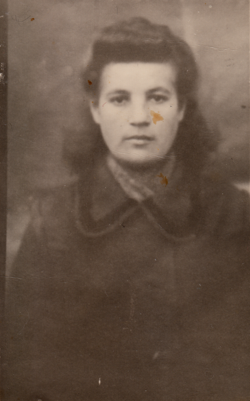 Portrait of Asya Gindina, during the war.