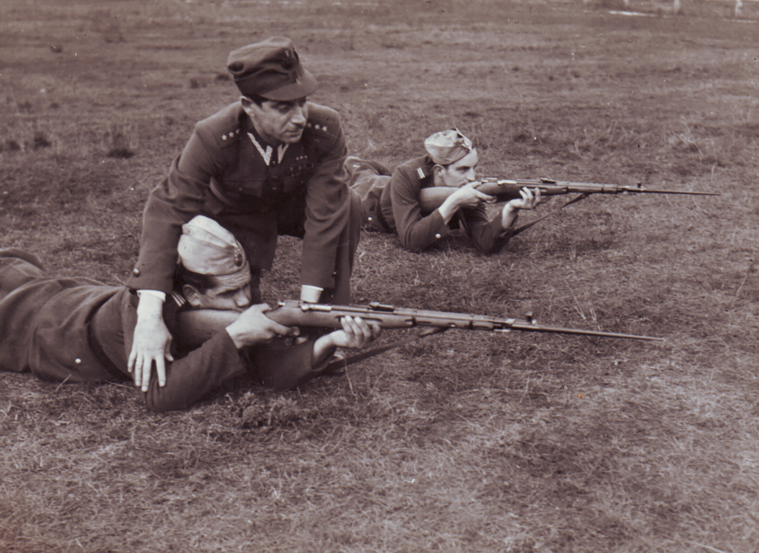 Captain Roman Yagel training his cadets at the 1st infantry regiment of the Polish army. Lomza, Poland. 1951