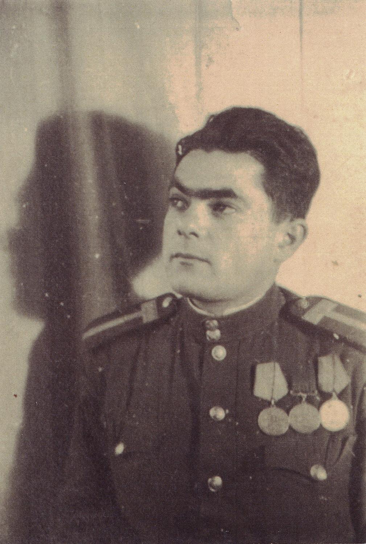 Beniamin Matskevich in uniform. 1943