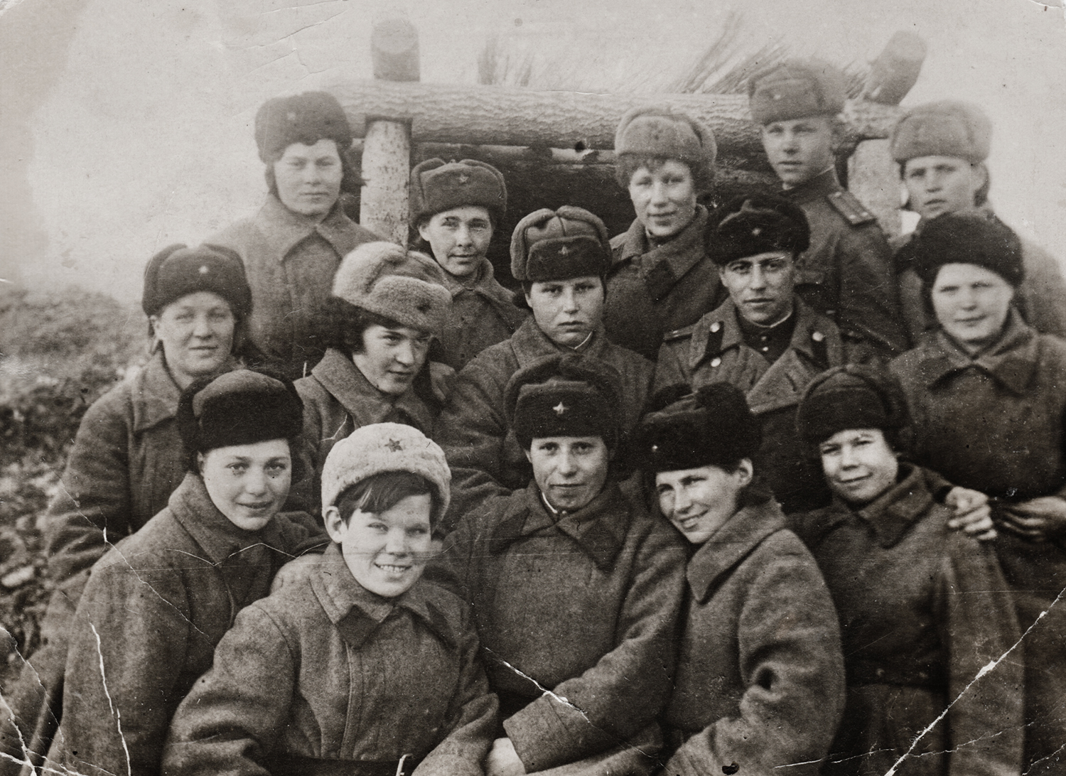 Anti-aircraft artillery division. Raisa Brook first row, first on left. Near Moscow, 1942.