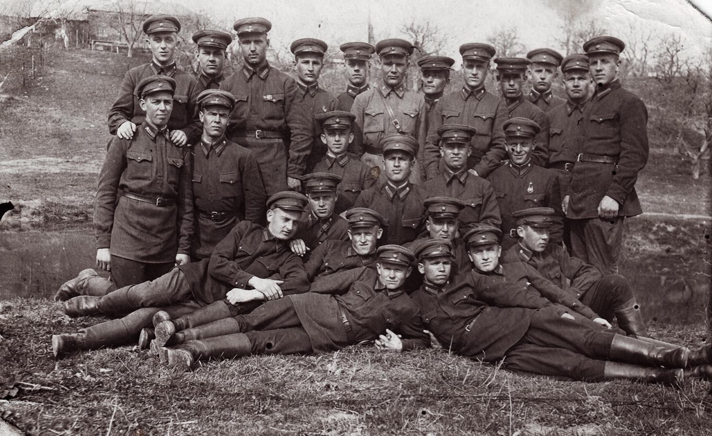 Cadet class, infantry school of Berdichev. Semyon Rabovsky top row, left. 1940.