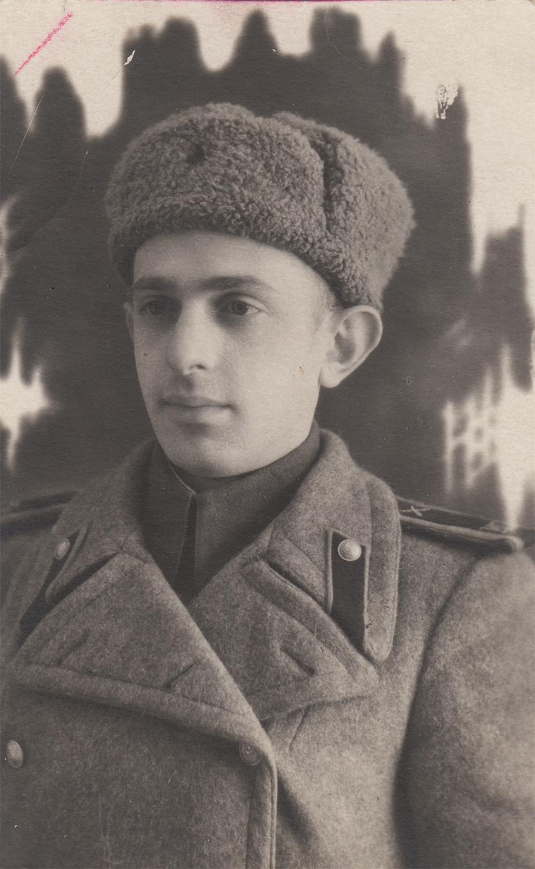 Gennady (Khena) Shikhelman, wartime photograph