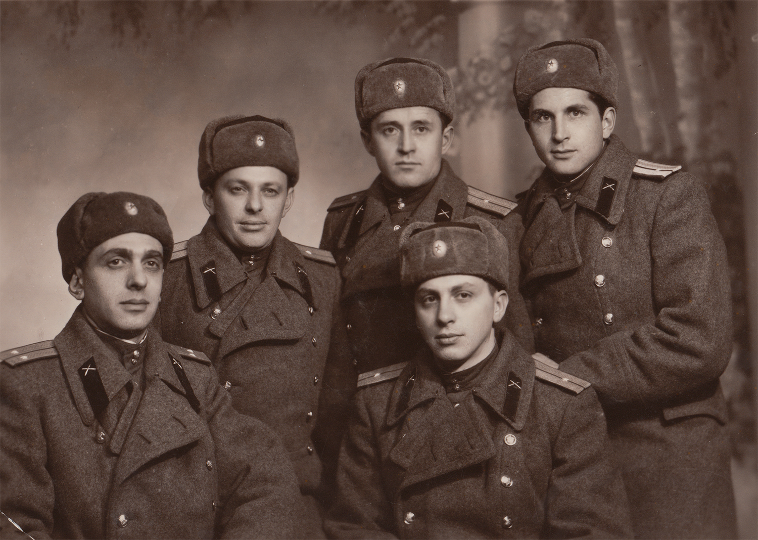 Gennady Shikhelman (far left) with a group of fellow soldiers from Odesa's 4th Company, 1958
