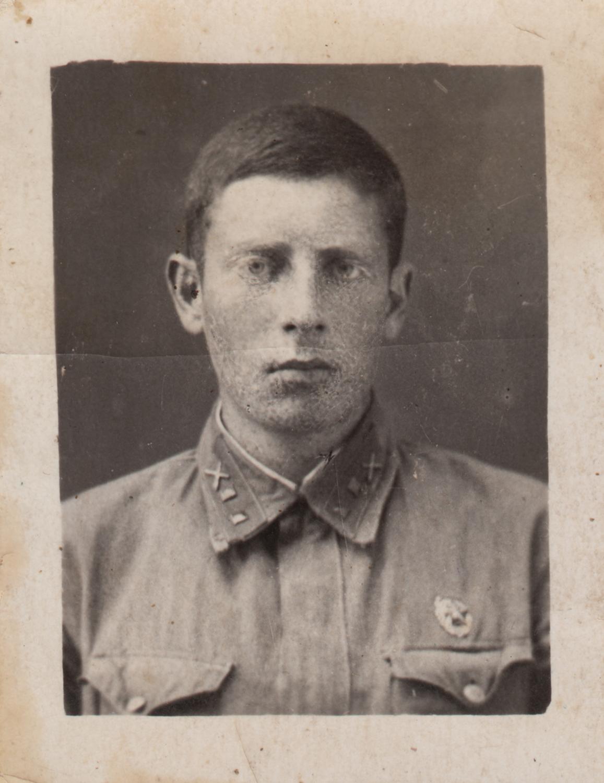 Evsey Epshtein as a military school cadet in Kharkiv, 1942