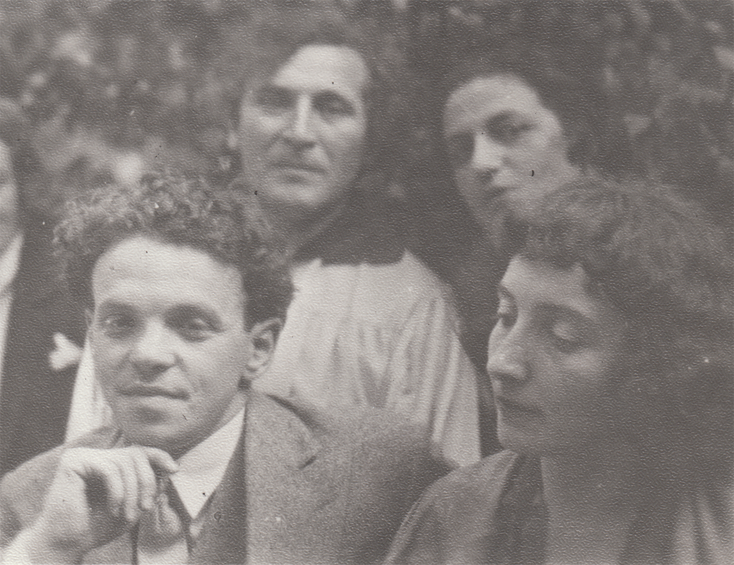 Photograph of Moscow State Yiddish Theatre actors. ca. 1930s