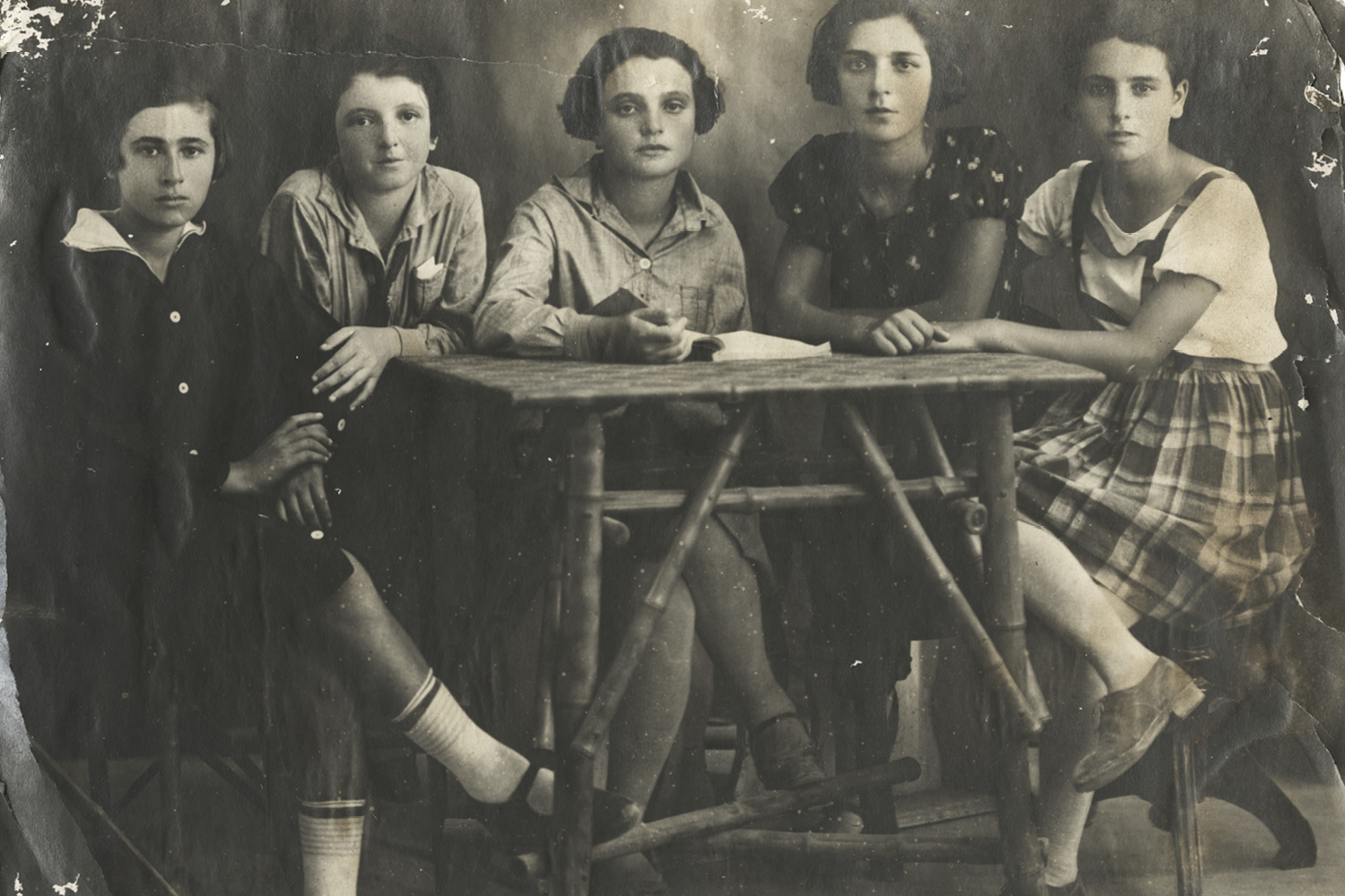 Photograph of young girls.