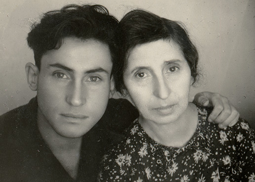 Photograph of David Dushman with his mother, Bronislava, before the start of war. She was a well-known pediatrician, and according to David's testimony, treated all the children of the party elite in Belarus.